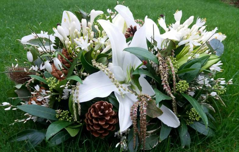 funeral,sympathy,flowers,crewe,nantwich,cheshire,woodland