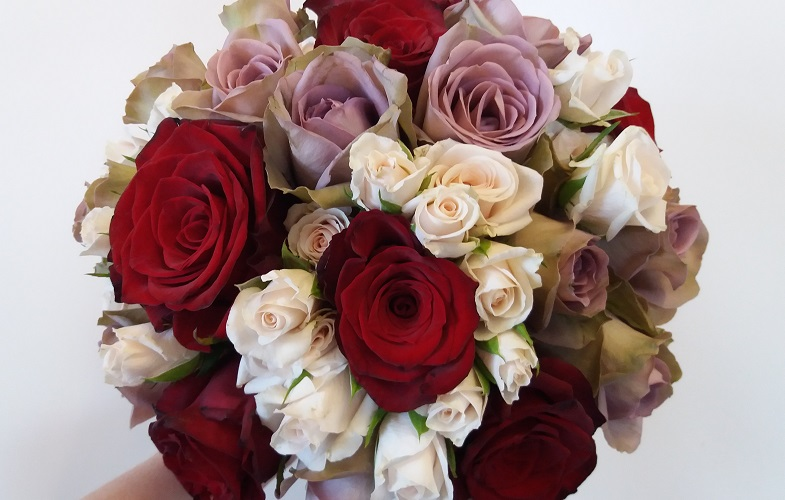 roses,pink,red,antique,wedding,brides,bouquet,cheshire
