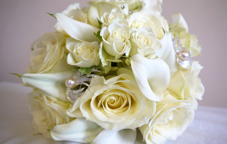 White, Rose, calla, florist, wedding, handtied, crewe